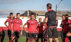 CBF libera atletas do Atlético-GO que testaram positivo para Covid-19 para jogo contra Flamengo