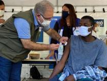 Brasil aplica mais de 2,56 milhões de doses de vacina em 24 horas