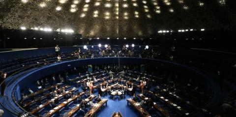 Senado aprova lei com medidas de contenção do coronavírus no Brasil