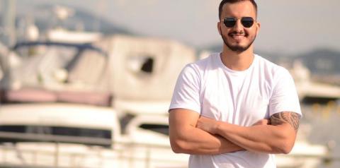Marcos Cambrais grava em Balneário Camboriú clipe da música
