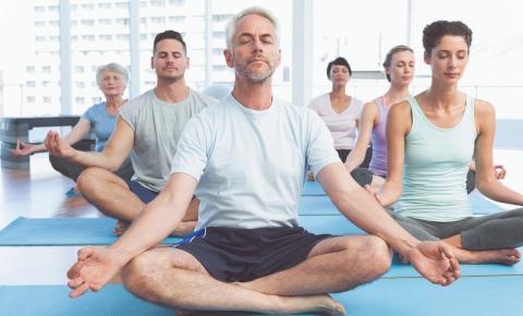 Yoga: prática vai além da atividade física e promove equilíbrio
