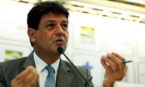 Ministro Luiz H. Mandetta faz aceno a cooperativas de saúde