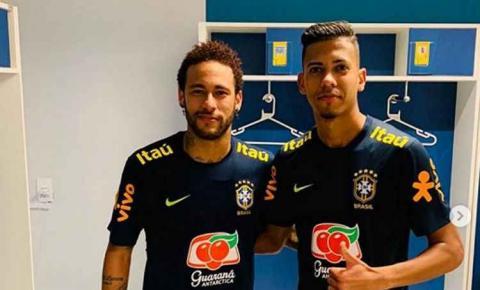 Lateral que deu 'caneta' em Neymar será observado por Mano Menezes em treino do Cruzeiro