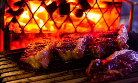 Melhoramento genético e modo de criação garantem carne premium e única em restaurante cuiabano