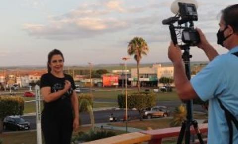 Primeira-dama lança vídeo e possibilita projeto de inclusão nas repartições públicas
