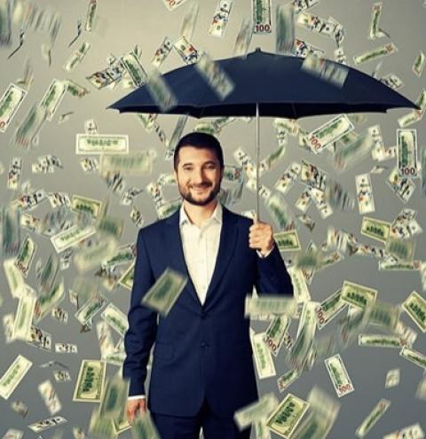Corretores de imóveis faturam alto com o bom momento do mercado imobiliário e carreira lidera ranking em qualidade de vida