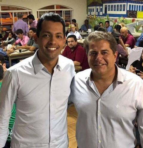 O Progressista Vinícius Cândido (PP) reúne varias lideranças para uma reunião na noite de Quinta Feira (27).